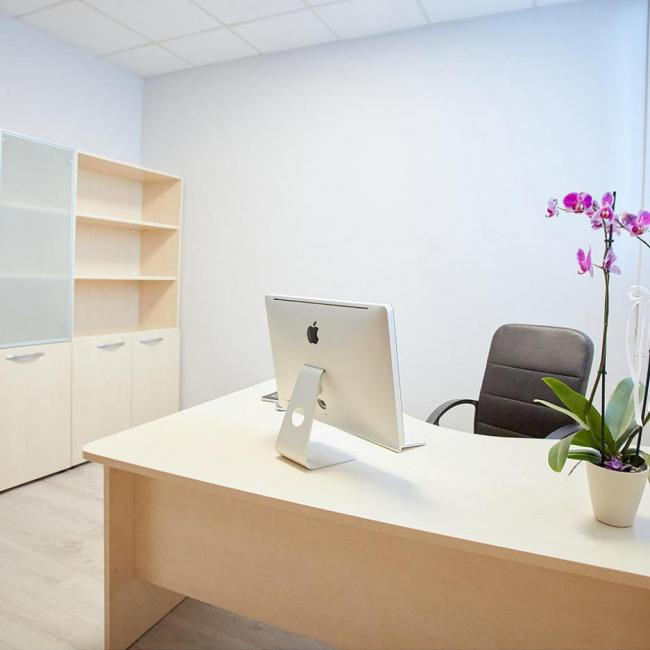 Office Station ufficio small a Saronno